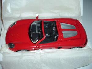 Minichamps Porsche Carrera GT 2004 1:18 Scale diecast Red