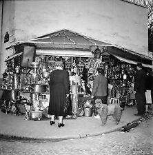 PARIS c. 1958 - Brocanteur Rue Raspail & ND des Champs - Négatif 6 x 6 - N6 P136