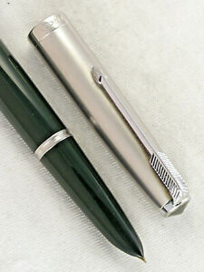 VINTAGE FOREST GREEN 1950s PARKER 51 FOUNTAIN PEN  ~ SMOOTH WRITER ~ RESTORED