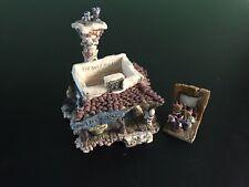 Madge's Beauty Salon & Bait Shop 19010 Boyds Bearly Built Villages 2000 figurine