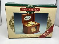 Mr. Christmas Music in Motion Player Piano Style MUSIC BOX plays 15 songs w/Box