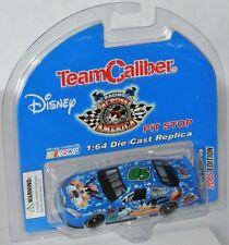 Team Caliber - 2005 Disney Nascar Racing Across America * Goofy * - 1:64