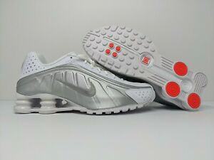 Nike Shox R4 White Metallic Silver Running Shoes 104265-131 Men's Size 8.5