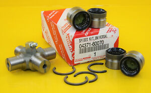Genuine Toyota 04371-60070 Universal Joint / Spider Kit