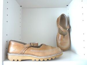 rare Vintage womens kickers size 6 tan shoes sandals with single buckle strap