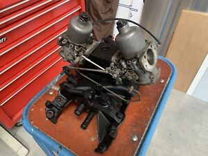 Land Rover 3.5L V8 twin carburettor With inlet manifold