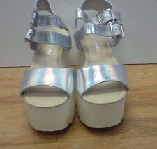 KOI Couture / White Platforms / Gladiators Metallick Buckles / Size 5 - 1104