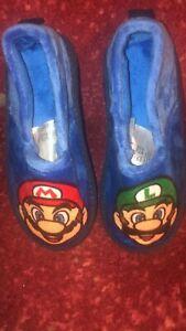 Mario Luigi Slippers Boys Size 28/29 10 11 11.5