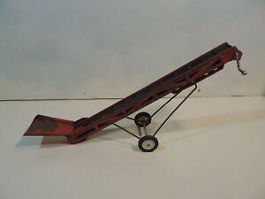 Vintage ERTL 1/16 Tru-Scale Pressed Steel Toy Grain Hay Belt Conveyor Elevator