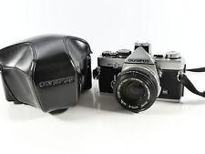 Olympus OM-2n 35MM SLR Fotocamera Pellicola manuale e lente 50MM F1.8 OM2 CON MONTANTE 86