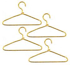 4 alambre de oro Perchas, ropa de casa de muñecas accesorio, Miniatura