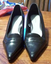 Womens Merona Aster brown Leather pointed toe loafer style heels shoes size 7.5