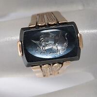 Antiker Ring mit Hämatit Gravur in 333/8K Rotgold