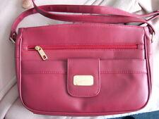LADIE'S burgandy handbag