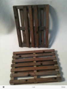 "1:10 or 1:12 Scale Miniature Pallet 3"" x 4"" Handmade Dollhouse 6"" Action Figure"
