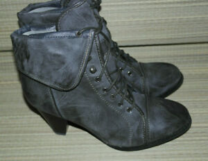 WOMENS DARK GREY LACE UP SYNTHETIC ANKLE HEELED COMBAT BOOTS BNIB MIX SIZES