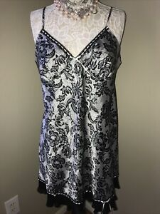 GILLIGAN OMALLEY~ SATIN CHEMISE BABYDOLL SLEEP SLIP NIGHTIE~L Black And White