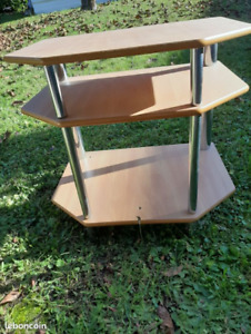 Hexagonal TV table