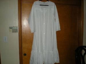 The 1 For U Long White Button Down Robe / Lounger - Size XL