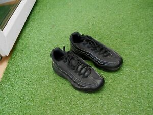 NIKE  AIR MAX 95  TRAINERS - BLACK - UK SIZE 4 - IN A GOODISH CONDITION STILL