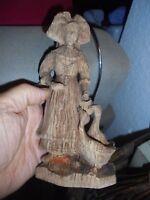 Alsacienne en Résine et ses Oies style Bois Habit Folklorique Souvenir d'Alsace
