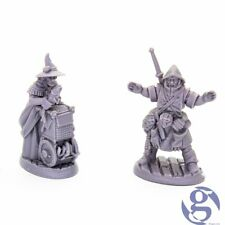Reaper 44035: Townsfolk: Fishmongers (2) - Bones Black Fantasy Miniature