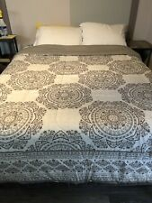 Queen size comforter Gray with flowers Reversible size 83x90 used once
