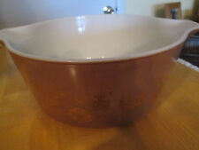 Pyrex brown with gold-tone design 2.5 qt. ovenware baking dish