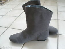 iStyle & Co Bruce Suede ankle boots new sz 7 M