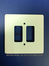 Crabtree 5572 Grid Switch Cover Plate - 2 Gang White.