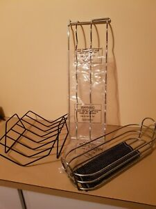 Wire bread holder Wine rack Kitchen utensils Home wares House equipment Basket