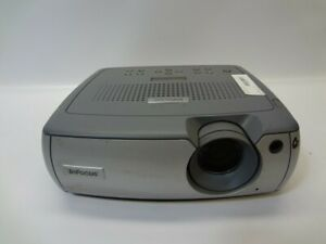 InFocus LP540 400:1 1700 ANSI Lumens 3LCD Video Projector w/Lamp *No Remote*