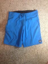 Quiksilver MENS SURF BOARDSHORTS SWIMMING/BEACH SHORTS ATHLETIC SIZE 34 BLUE KED