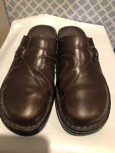 Women Clarks Mules Shoes-8M