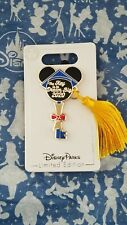 Disney Mickey Mouse Icon Key Pin Graduation 2020 Limited Edition In hand