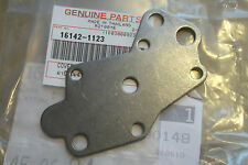 KAWASAKI KLX250  KLX300  1994>2014  GENUINE NOS OIL PUMP COVER - # 16142-1123