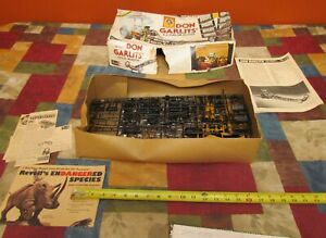 """VINTAGE 1974 REVELL H-1491 DON """" big daddy """"GARLIT'S AA FUEL DRAGSTER-INCOMPLETE"""