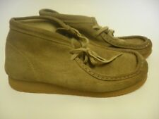 Clarks Originals Wallabee Beige Suede Shoes Youth Size 1.5M
