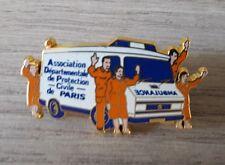 PINS COLLECTION AMBULANCE - ASSOC DEP PROTECTION CIVILE PARIS - ARTHUS BERTRAND