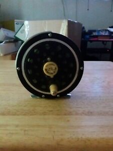 Vintage Fly Fishing Reel PFLUEGER 1495 DA MEDALIST flies trout collectible lure