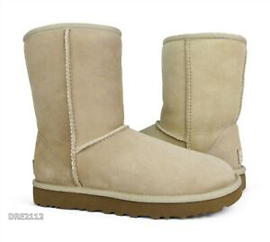 UGG Classic Short II Sand Suede Fur Boots Womens Size 6 (DISPLAY MODEL)