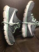gently worn Nike Flex Experience RN3 Grey Mint Green Running Sneaker Shoes wns 8