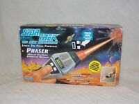 Playmates 1992 Paramount Picts. Star Trek THE NEXT GENERATION SPACE Phaser #6151