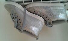 Chaussures grises Chausséa jalais portées Pointure 36
