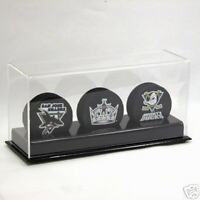 DELUXE ACRYLIC TRIPLE HOCKEY PUCK DISPLAY CASE HOLDER