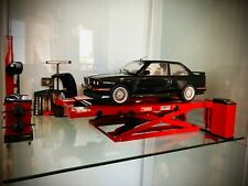 1/18 Hunter Alignment Garage Diorama Set - Brand New - AutoArt Kyosho BBR UT