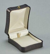 Grey Lizard earring or pendant box perfect for making an impact Luxurious Dubai