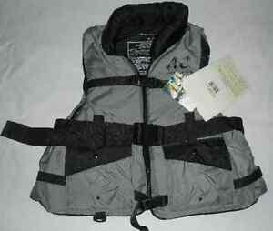 Americas Cup High Performance Safety Life Vest Gray/Black LG/XL USA 100MPH 7433