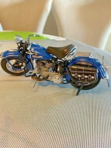 Franklin Mint - HARLEY DAVIDSON 1948 PANHEAD 1:10 scale Die Cast Model