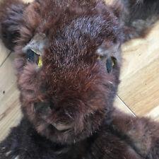 Lapin, agneau ou Alien Dog/Cat?, fait à la main, très vieux, dans le besoin travaux de restauration.